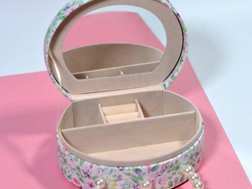 Darček pre ženu Birthday girl so šperkovnicou